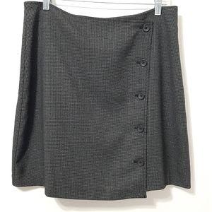 Banana Republic button down wrap skirt
